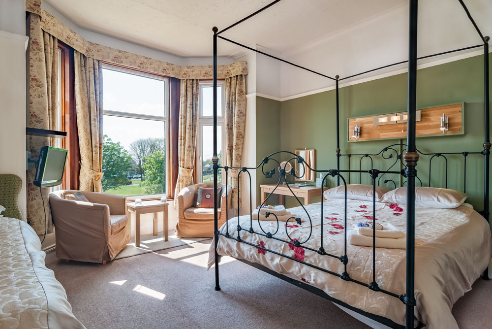 A large, versatile 1st floor room overlooking the village green